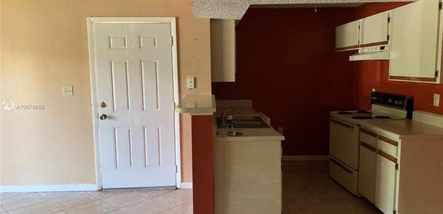 Apartment in Kendall under $100,000