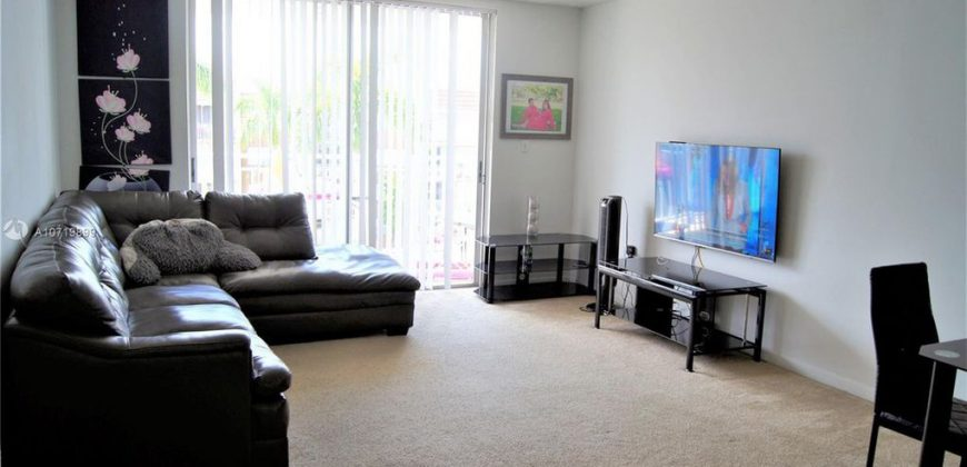 Apartment in Hialeah